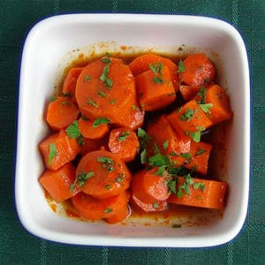 Sweet spicy glazed carrots