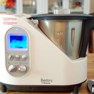 Bellini cooker cedarlane in use