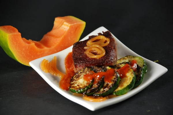 Steak with papaya agar agar noodles