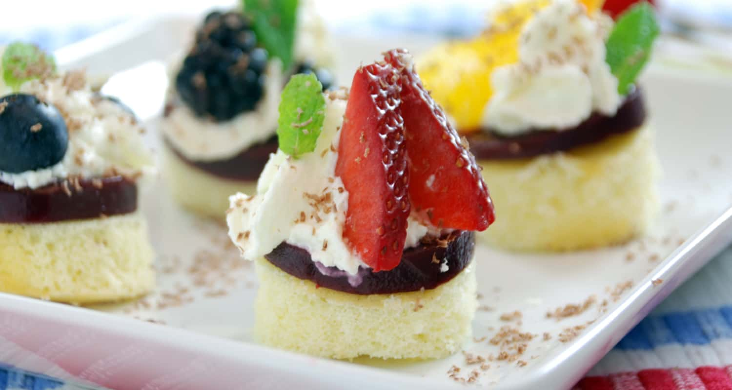 Shortcakes with agar fruit gels and siphon whipped cream amazing agar fruit gel shortcake forumfinder Image collections