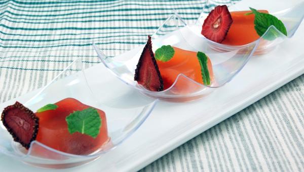 Strawberry daiquiri agar gel off