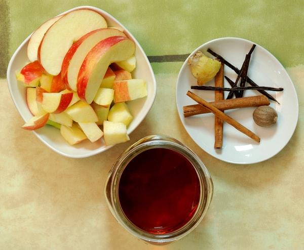Apple pie infused bourbon ingredients