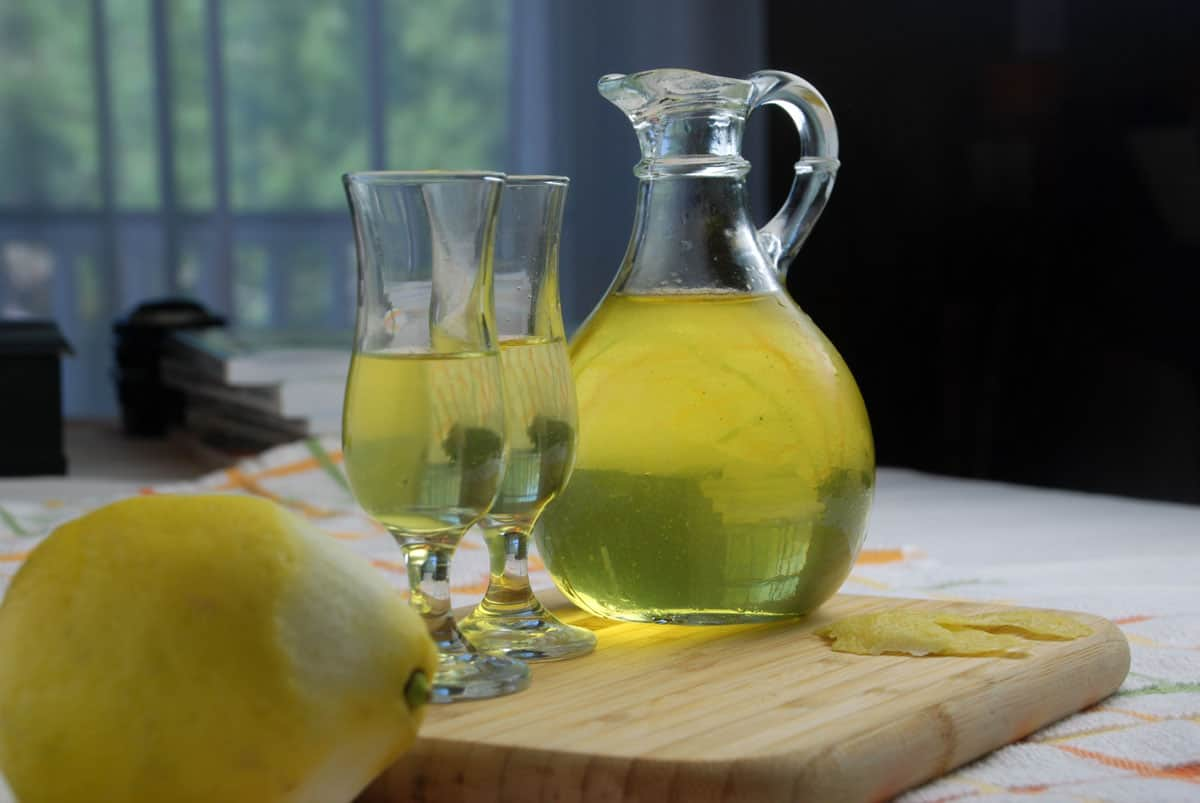 Limoncello cocktail recipe amazing food made easy for Cocktail limoncello