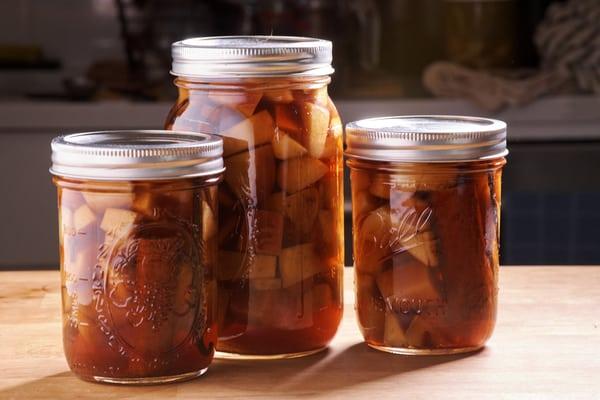 Sous vide apple pie bourbon