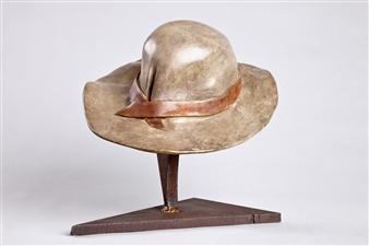 Anita Birkenfeld - Hat Bronze, Sculpture