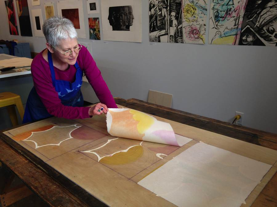Moving-art - Karen Kunc - Constellation Workshop - Printmaker - Woodcut - Gravure - Xylographie