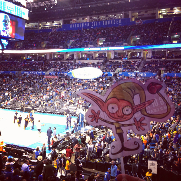 Elf at a thunder game