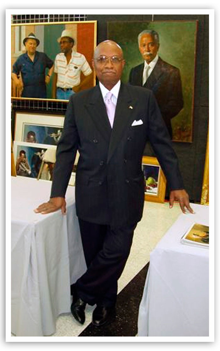 Artist Simmie Knox in a file photo from October 2003. Knox painted four portraits of black notables; the paintings hang in the state Capitol.