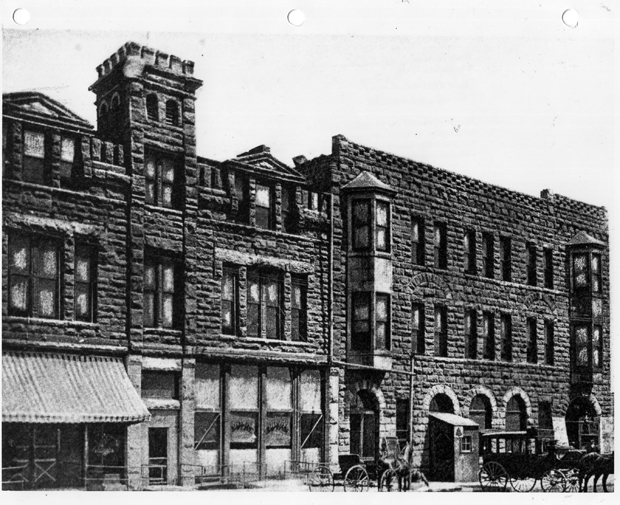 The Royal Hotel was a part of Guthrie's early history.