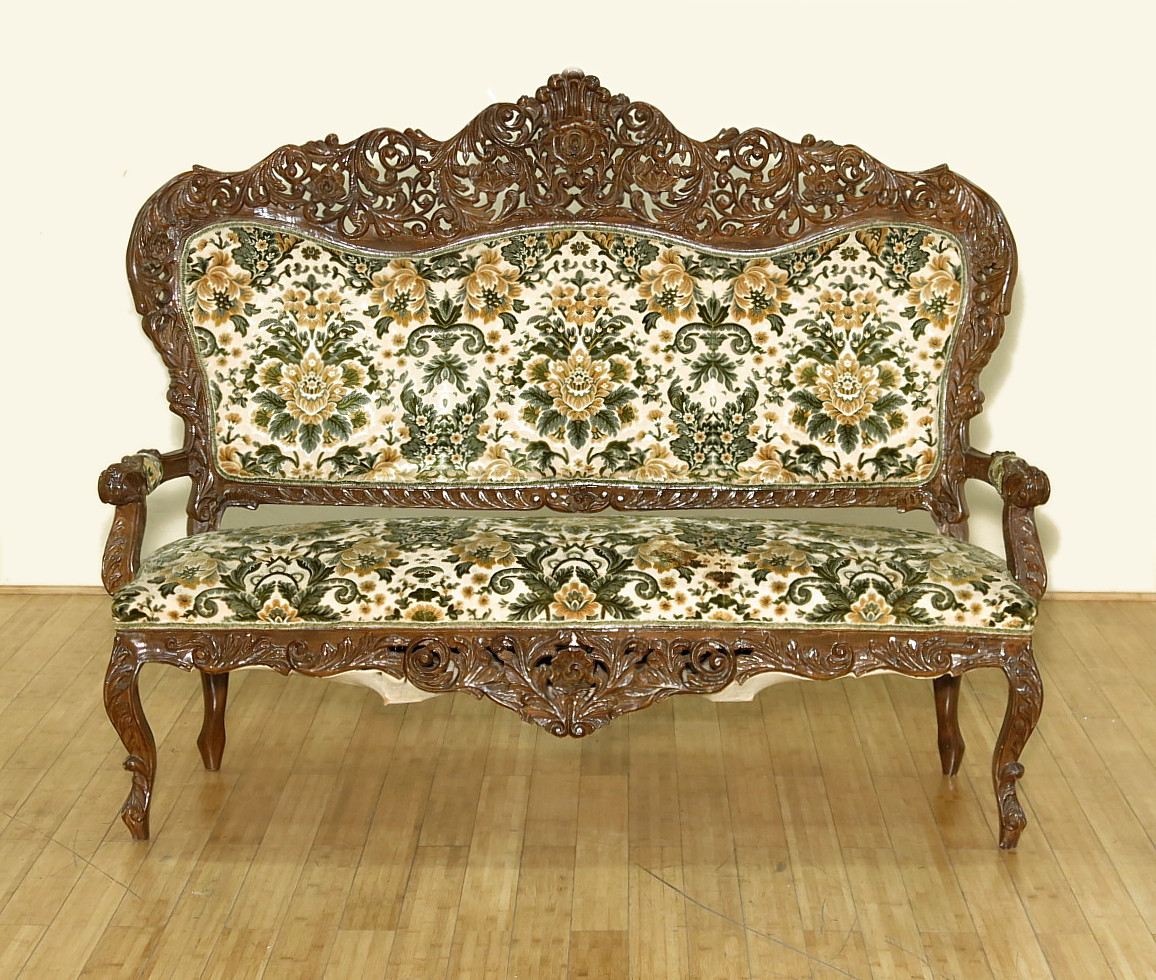 Antique Victorian Sofa Styles: Vintage Walnut Ornate Victorian Style Sofa Couch W/ Floral