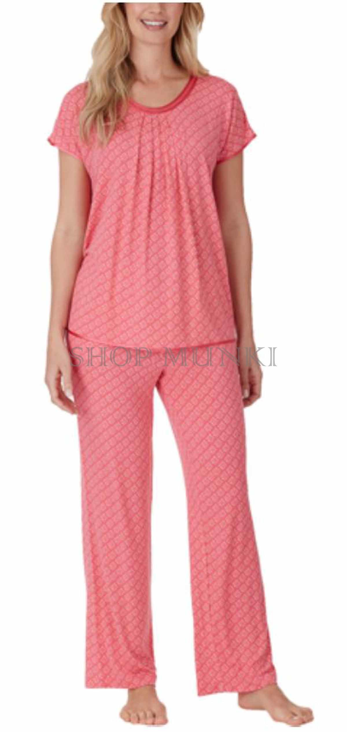 Our affordable women's pajamas and PJ sets include soft, lightweight flannel shirts and bottoms, perfect for a warm night in. Available in a variety of colors and patterns, our sleepwear is so comfortable you'll want to live in it.
