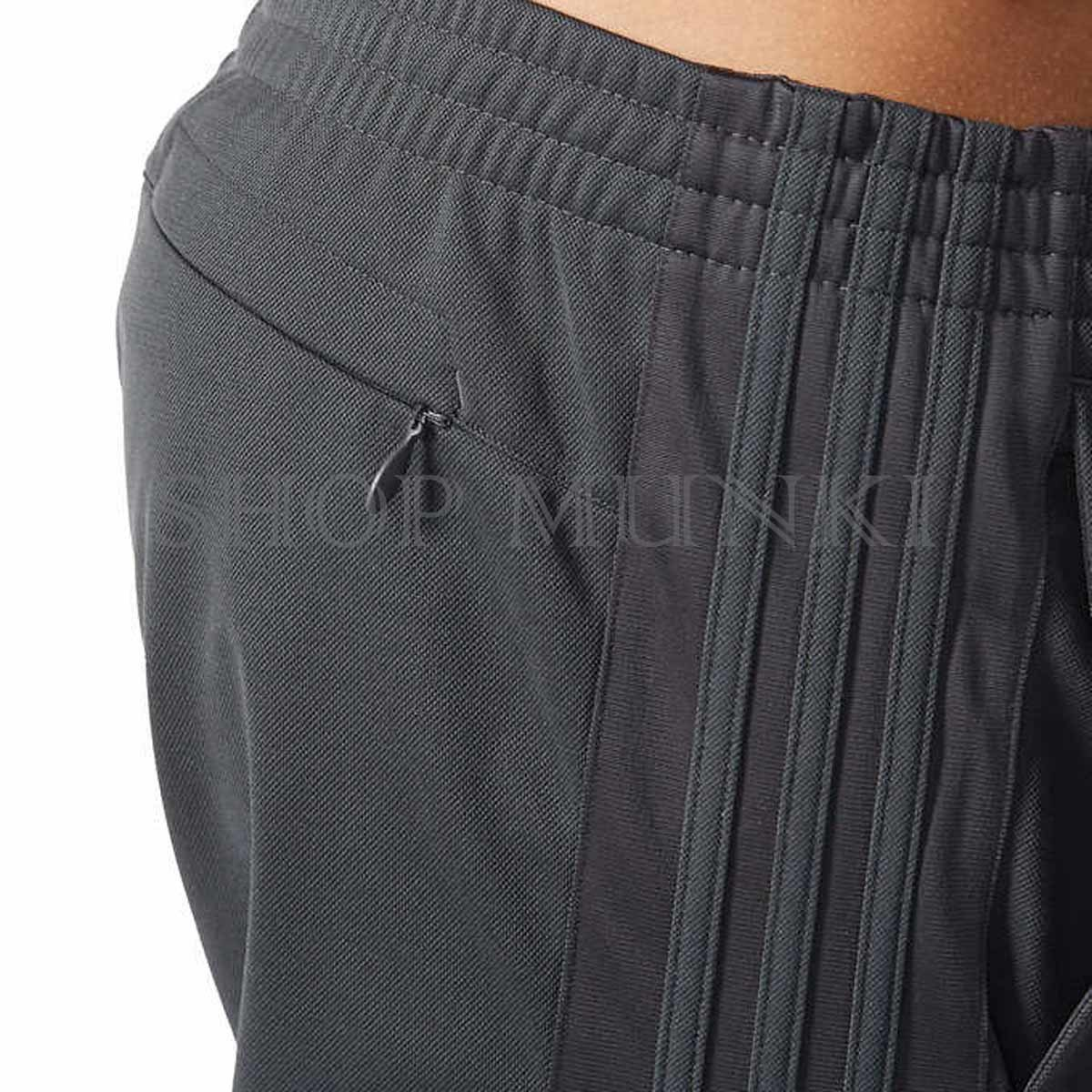 Mens Drawstring Pants Find the men's drawstring pants that are comfortable and versatile with linen pants and chinos. Perfect for wearing during warm weather or a .