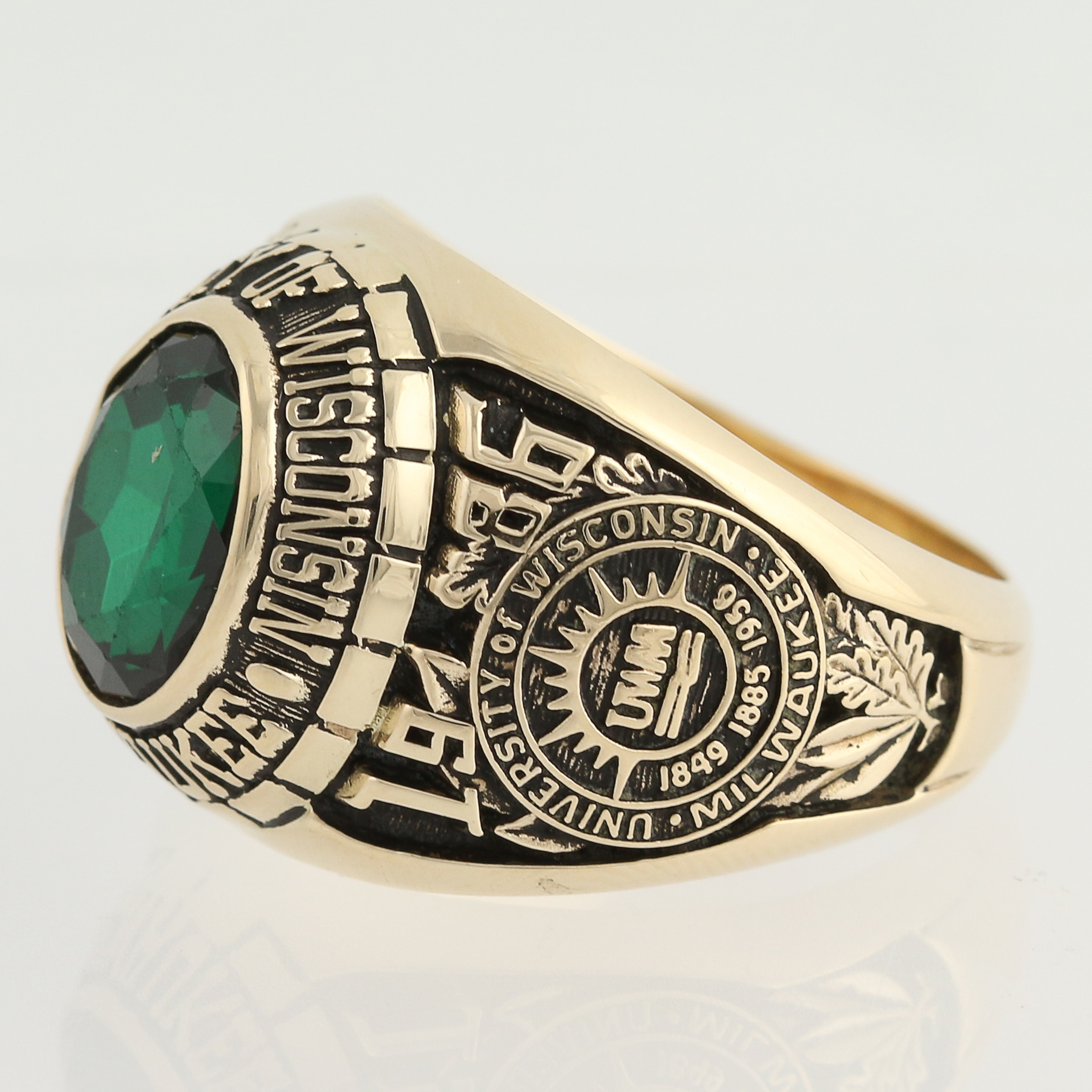 of wisconsin class ring 14k yellow gold syn