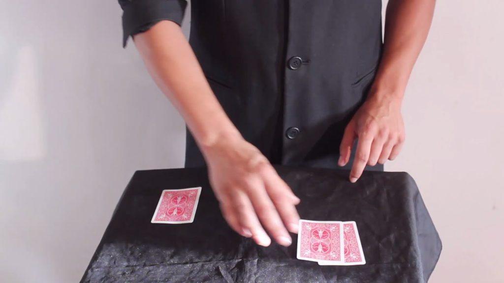 تعلم العاب الخفة # 353 … Three cards Miracle magic trick revealed
