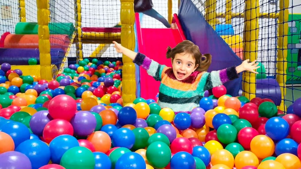 Emily's Magic Balls Playground Fun Play Place for Kids