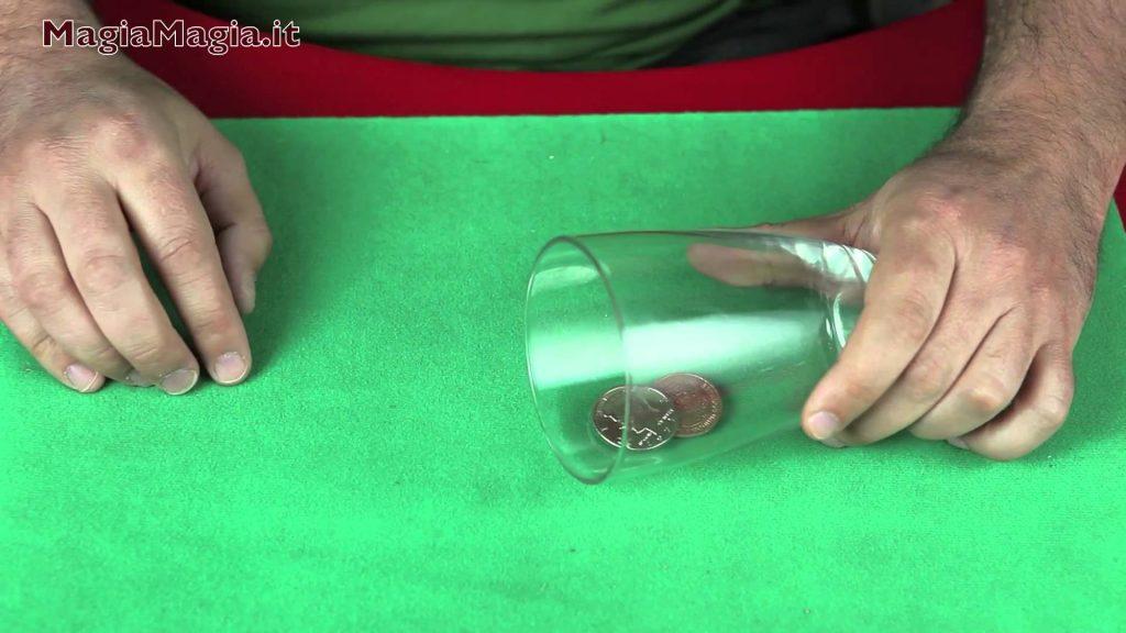 Scotch & soda 3° coins magic tricks