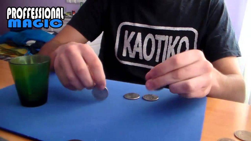 Monedas a Traves de La Mesa | Truco de Magia | Magic with coins