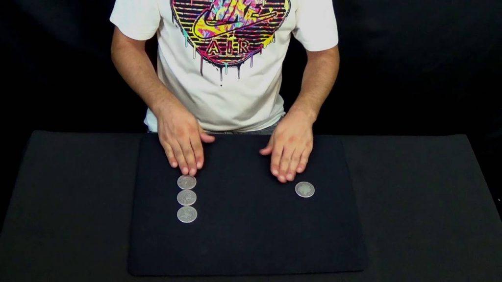 Coin Magic :: 4 Coins Across by Carlos Daimiel V2