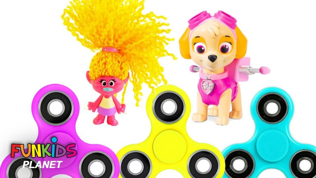 Learn Colors for Kids: Paw Patrol Skye and Poppy & Maxi Trolls Fidget Spinners Rainbow Color Magic