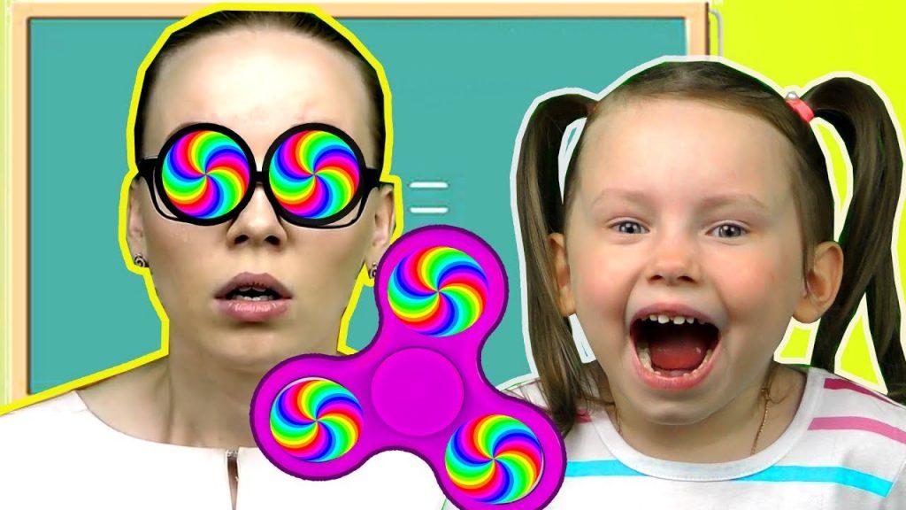 Вредные детки СПИННЕР ЗАГИПНОТИЗИРОВАЛ Bad Kids Magic Spinner Учим цвета с Johny Nursery Rhymes