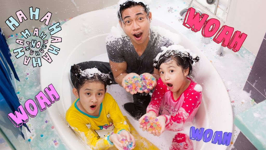 Bad Baby Victoria Annabelle Magic Powers – Messy Orbeez Bath Party Spa – Daddy Freaks Out Bad Kids