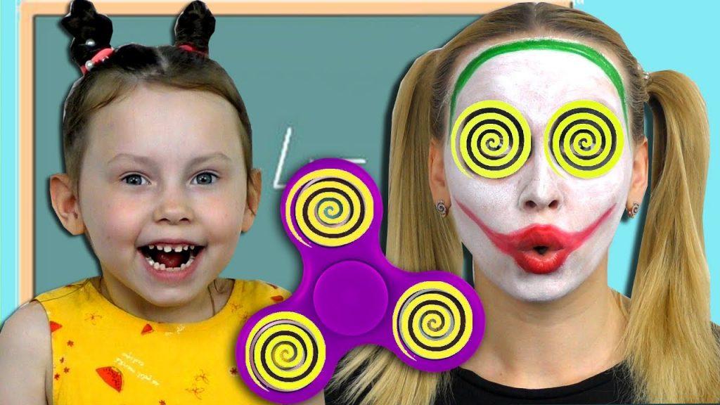 Вредные детки ФИДЖЕТ СПИННЕР Bad Kids Magic Fidget Spinner HYPNOTIZE JOKER Учим цвета Baby Songs