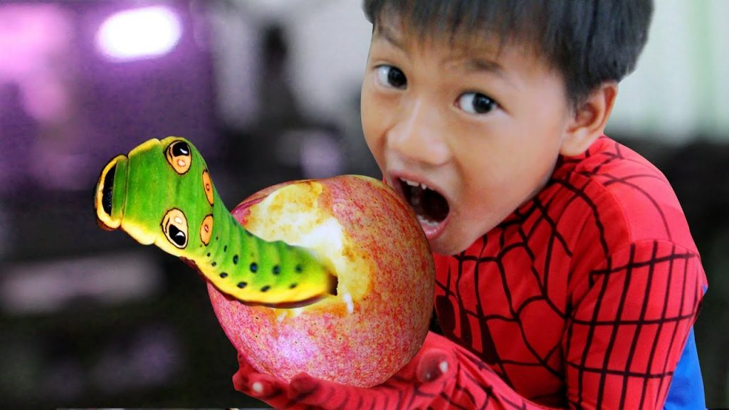 Learn Colors with Baby Banana Magic Spiderman w/ Song for Children Song Finger Family for kids