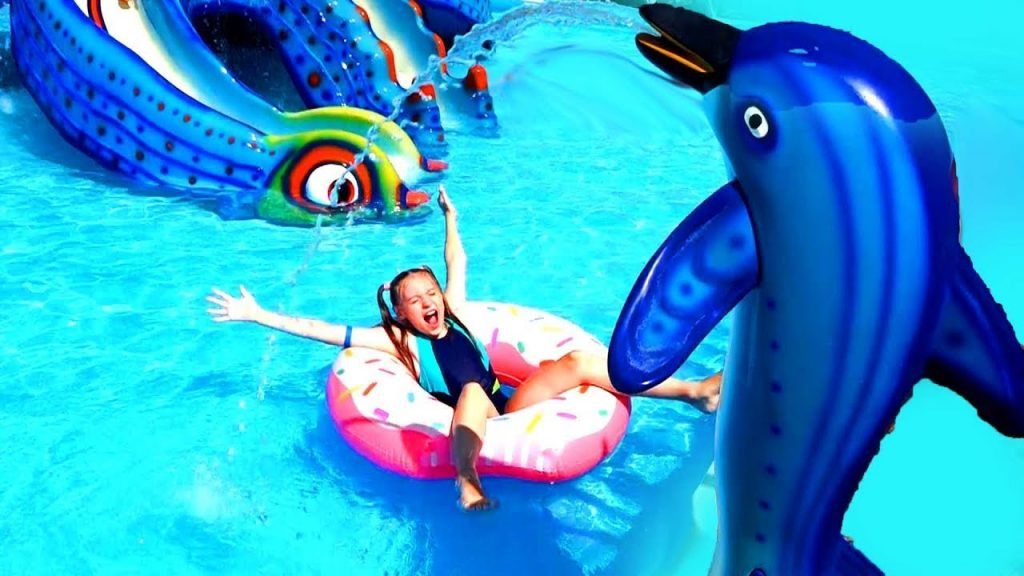 Funny Baby Prank Bad Baby Magic Pizza! Playing in Pool Color Hills Song fo Kids