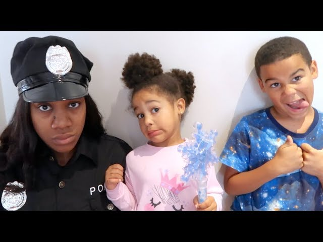 FamousTubeKIDS MOMMY TURNS INTO POLICE MOM – KIDS FREEZE HER WITH MAGIC WAND