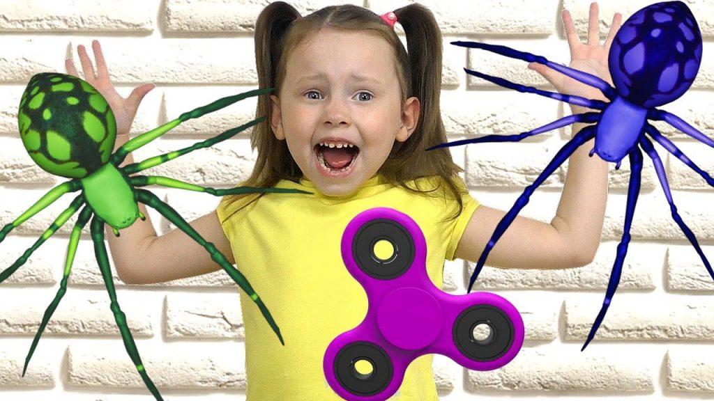 Вредные детки СПИННЕР Bad Kids Magic Fidget Spinner GIANT SPIDER Bad Baby крадет конфеты Учим цвета