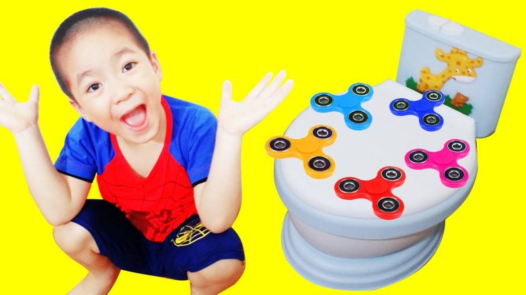 Learn Colors with Bad Kids Magic Fidget Spinner Flight on Toilet Nursery Rhymes Songs for Children