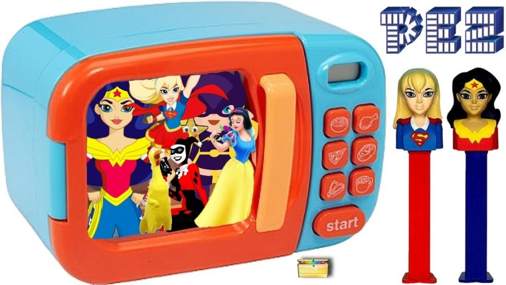 SUPERHERO PEZ CANDY Magic Microwave Game | Surprise Toys, Blind Boxes Kids Video