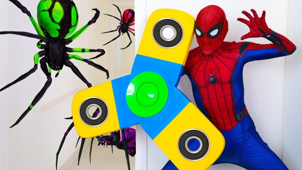 Bad Kids Baby Learn Colors with Giant Magic Fidget Spinner Song Nursery Rhymes for Children