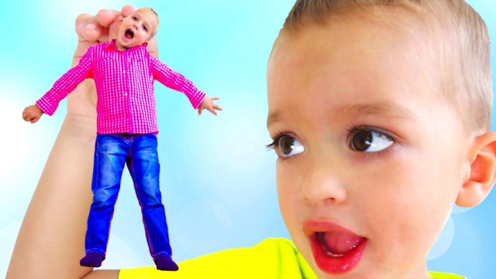 Bad Baby Learn Colors with Magic Candy Transform Kids, Funny Baby Prank!