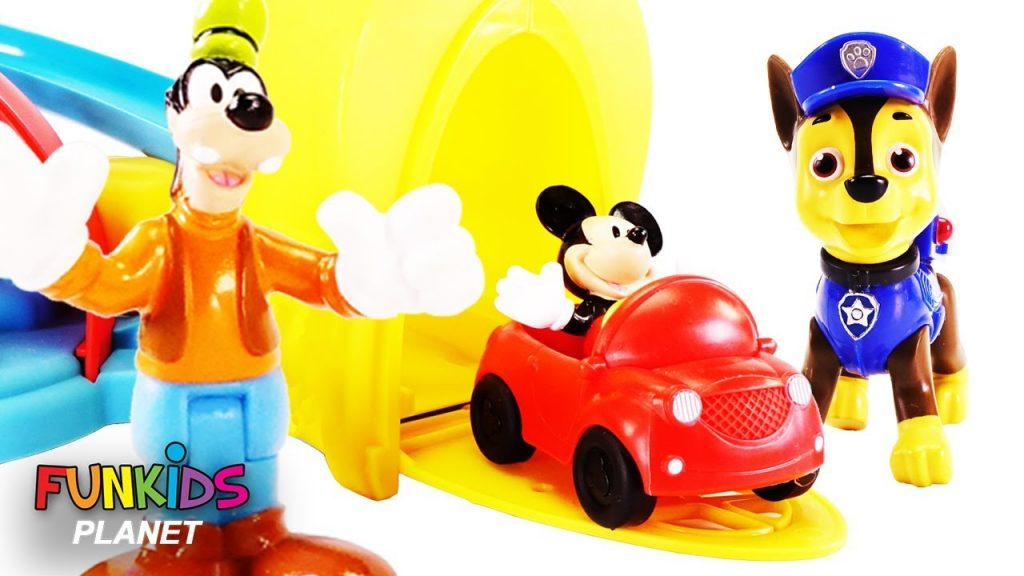 Paw Patrol Magic with DISNEY MICKEY and Goofy's Gas & Dine PLAYSET, CAR WASH & Bad Neighbors
