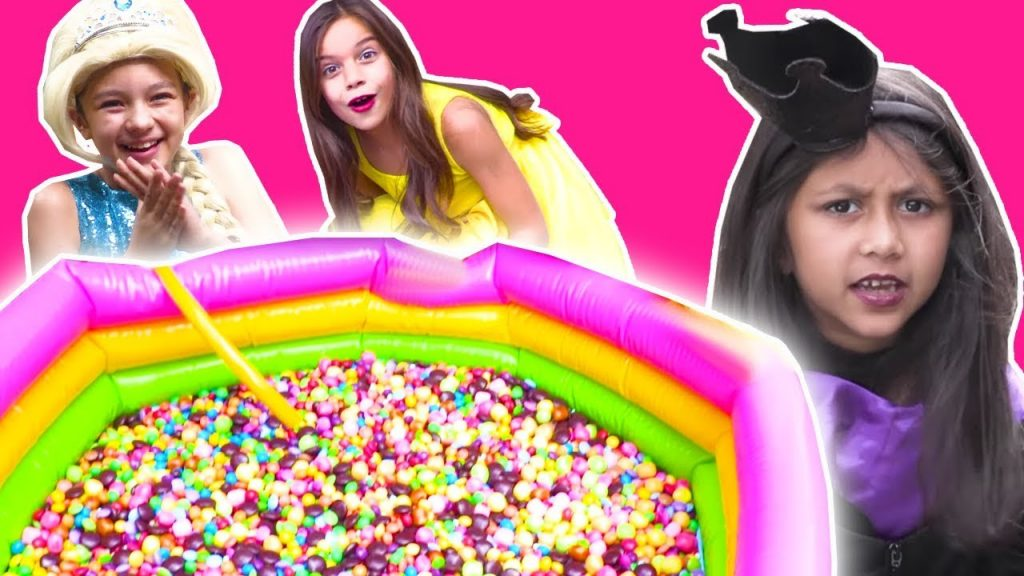 PADDLING POOL FILLED WITH M&Ms CHOCOLATE AND SKITTLES CANDY Magic Feast Princesses In Real Life
