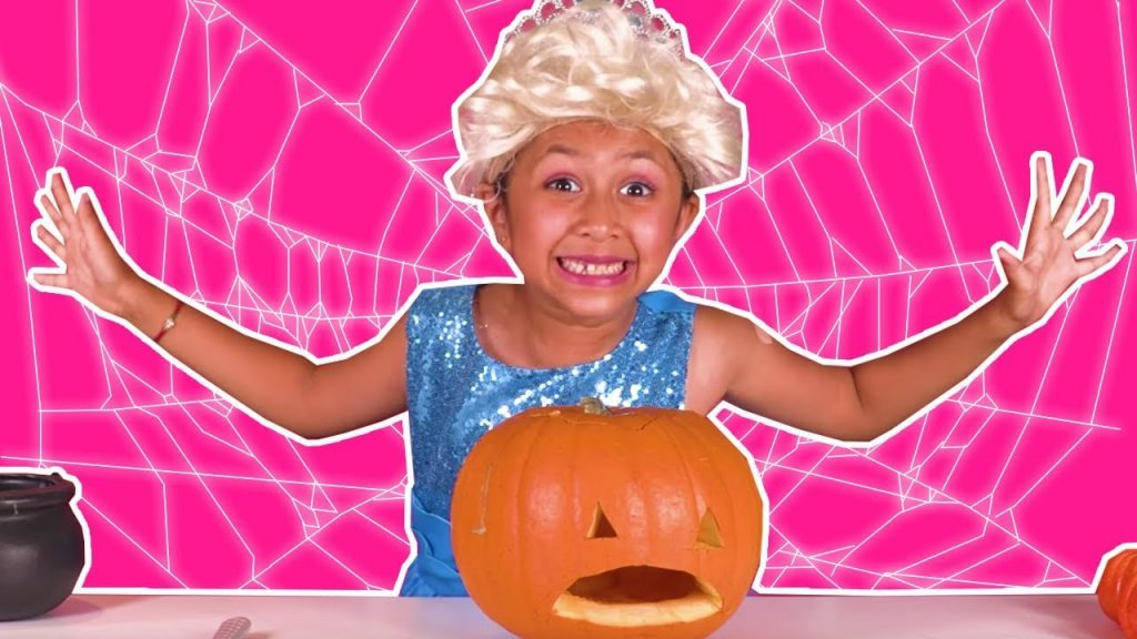HALLOWEEN PUMPKIN CARVING CHALLENGE Princesses In Real Life Pranks Magic Games For Kids Candy Fun