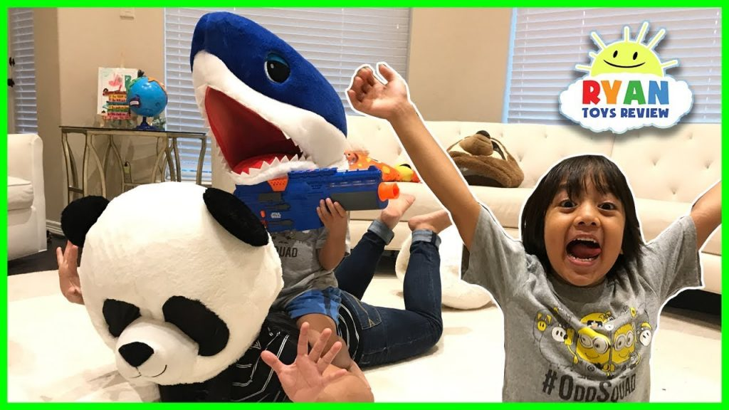 Kid Halloween magical transform wrong head bad kids Funny Prank Mommy and Daddy pretend play