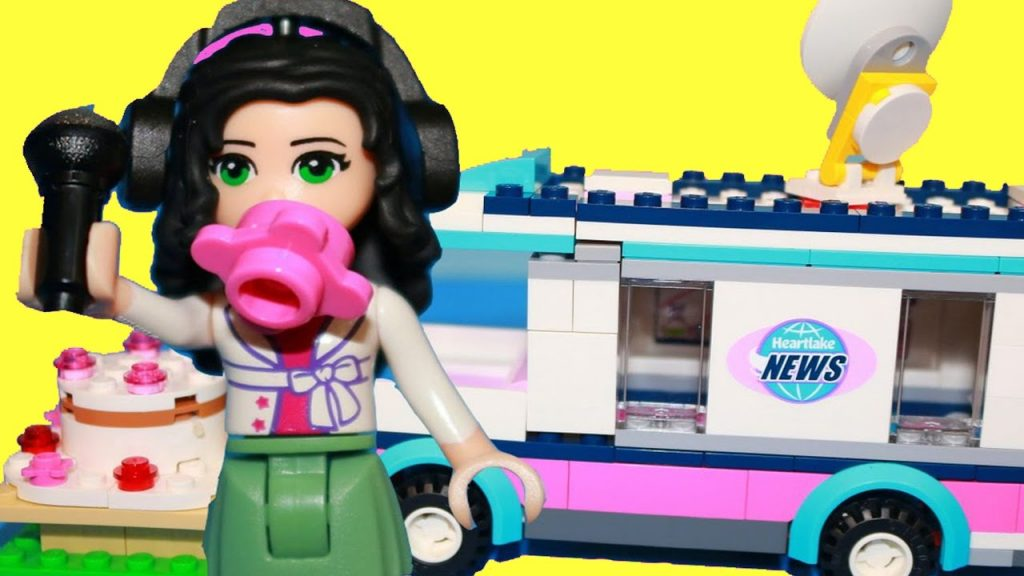 STEAL CAKE! Disney Princess Jasmine Visits LEGO Friends Bakery Shop Playset Aladdin Castle Toy