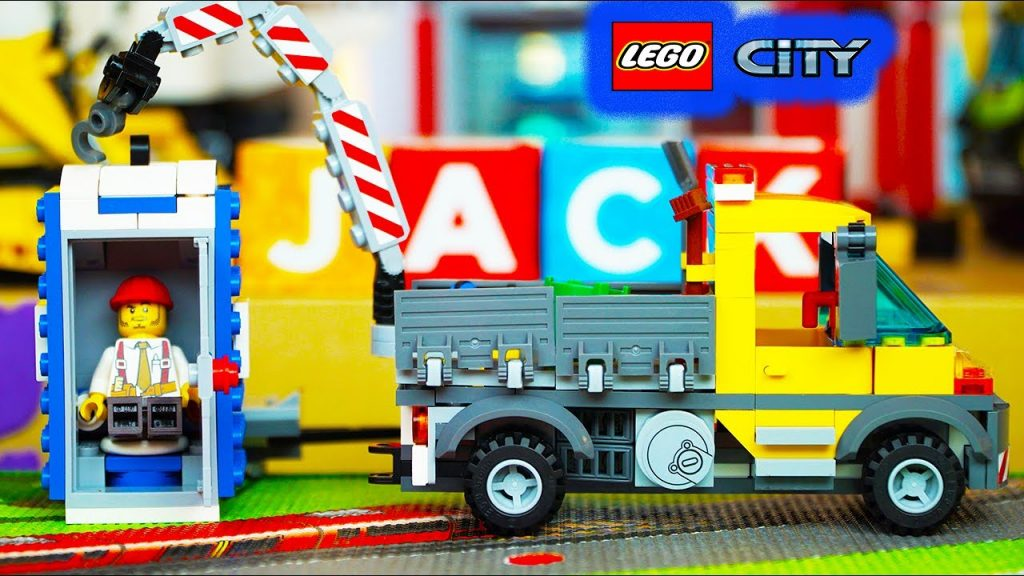 Lego City Unboxing, Building, Playing – Service Truck, Porta Potty Portable Toilet