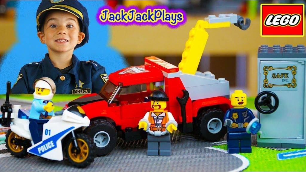 Lego City Police Toy Unboxing, Time Lapse Build, Playing: Tow Truck Trouble