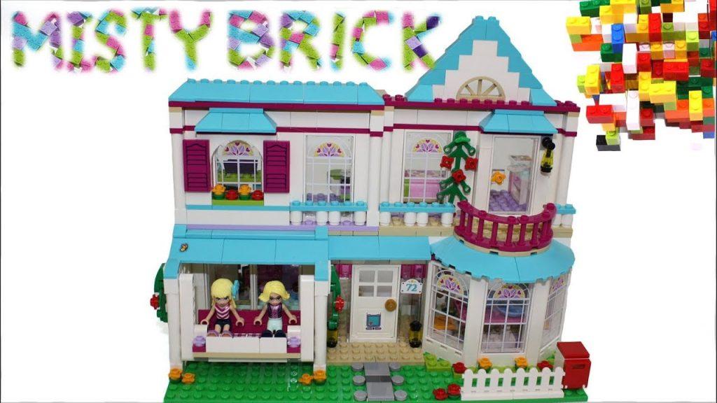 Lego Friends Stephanie's Beach House Building Review by Misty Brick.