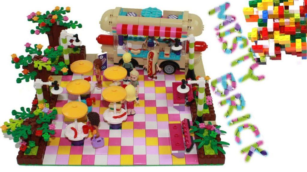 Lego Friends Food Street by Misty Brick.