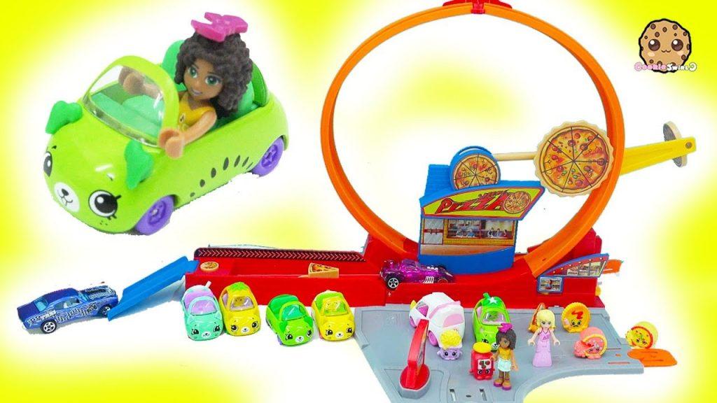 Shopkins Cutie Cars + Hot Wheels Speedie Pizza Drive Thru Race Track Loop – Cookie Swirl C
