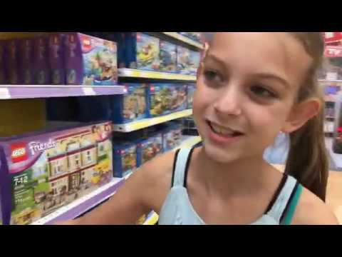 Lego friends shopping at Toys R Us with M&M