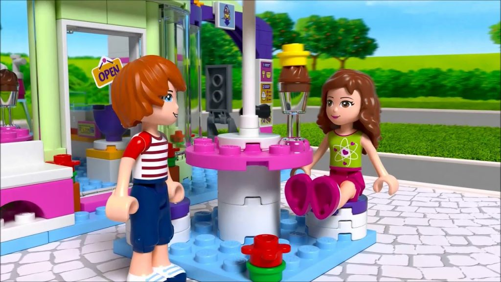 Smyths Toys – LEGO 41320 Friends Heartlake Frozen Yogurt Shop
