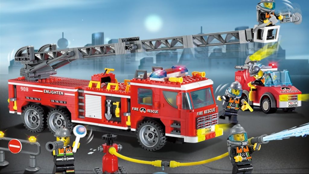 Fire engine & fire truck in LEGO City, Fire truck responding, Videos and cartoons for kids children