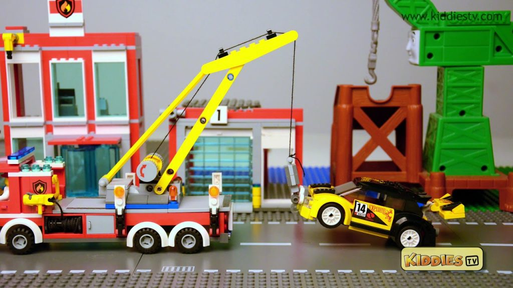 lego city car no parking zone | stop motion | lego | brick builder | lego movie | 4k |  kiddiestv