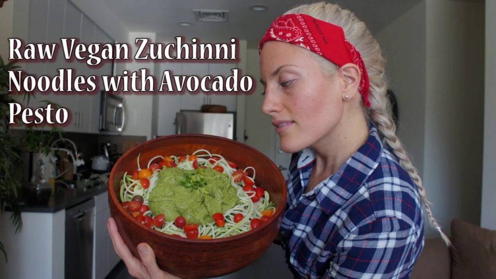 How to Make Raw Vegan Zuchinni Noodles with Avocado Pesto Sauce