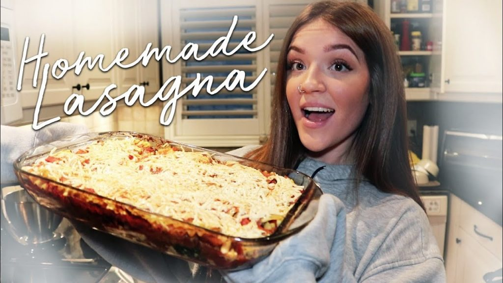 Chatty Cooking with Leah // Lasagna!